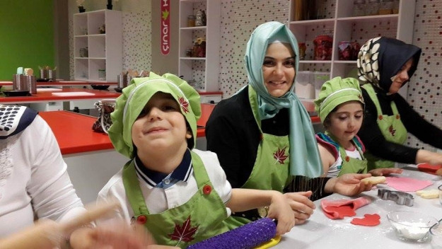 Minik Çınarlılar Anneleriyle Mutfakta